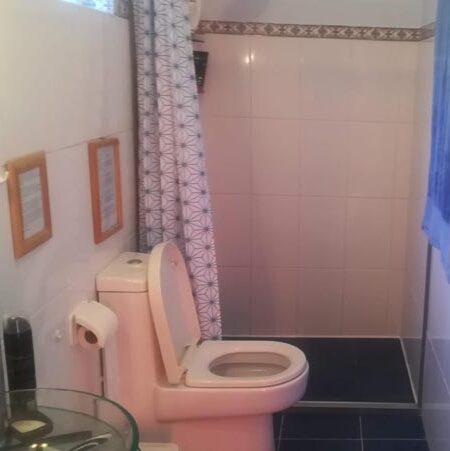 the masteer bedroom's ensuite bathroom