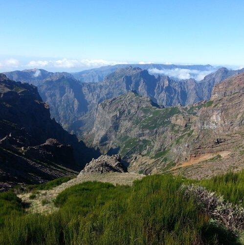 Adembenemende blik vanaf de hoogvlakte Paúl da Serra, het hogere deel van de gemeente Calheta