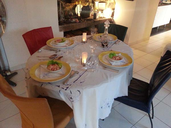 Table set for four: you and us, for some gastronomy in Madeira